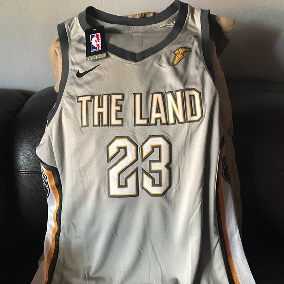outlet store 14ae6 96058 LeBron James Authentic Cleveland Cavaliers Jersey NWT